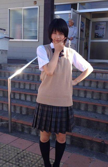 能年玲奈スカート丈2
