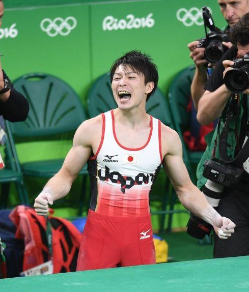 内村航平個人総合金メダル2